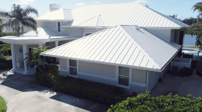 Pros Vs Cons of Metal Roofs in Pinellas County